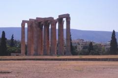 Интересно, колонны так и стояли тут одни?