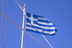 Греки очень любят свой флаг, тем более на корабле