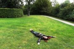 Парк. Люблю парки, люблю лежать в парках