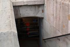 Чтобы подняться наверх, иногда надо спуститься вниз. Памятник Колумбу