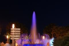 Один из двух крупных фонтанов