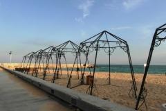 Пляжи уже пустоваты