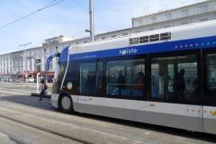 Необычный вид транспорта - трамвай на шинах
