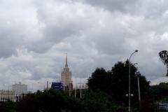 Отсюда видно немножко привычной Москвы