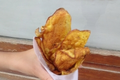 Что мне здесь понравилось, так это чипсы! Очевидно, что из настоящей картошки