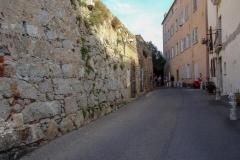 Корсика, Кальви, старые стены