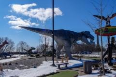Гольф среди динозавров
