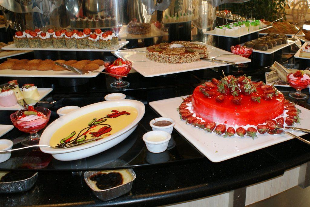Porto Azurro Club Mare - десерты добывать не очень удобно...