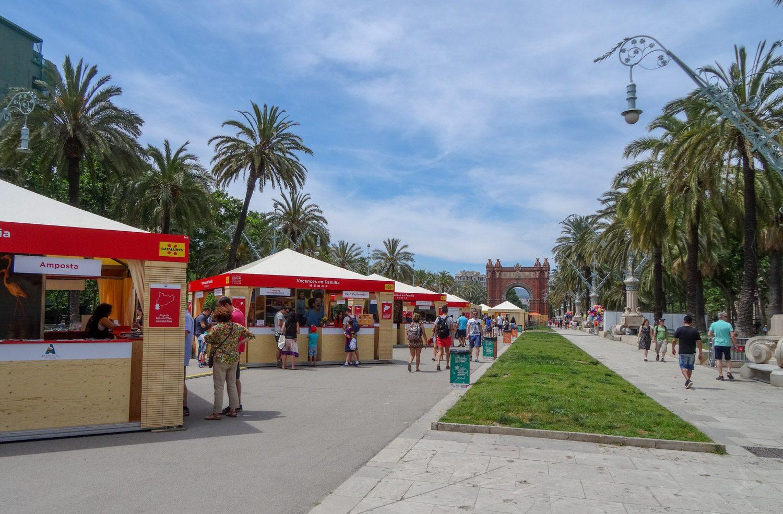 Здесь же проходила выставка-ярмарка. Можно узнать немало интересного о разных регионах Испании