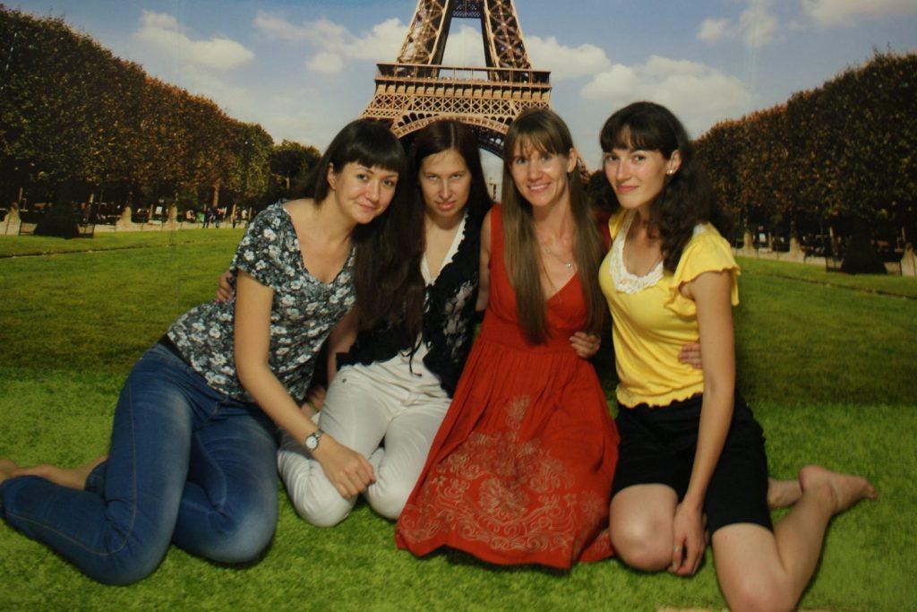 """С подругами """"в Париже"""""""