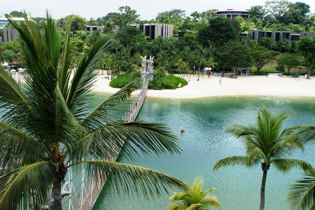 Кто спрашивал про пляжи в Сингапуре? Они есть!