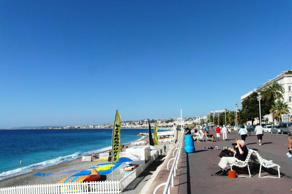 Променад и пляж