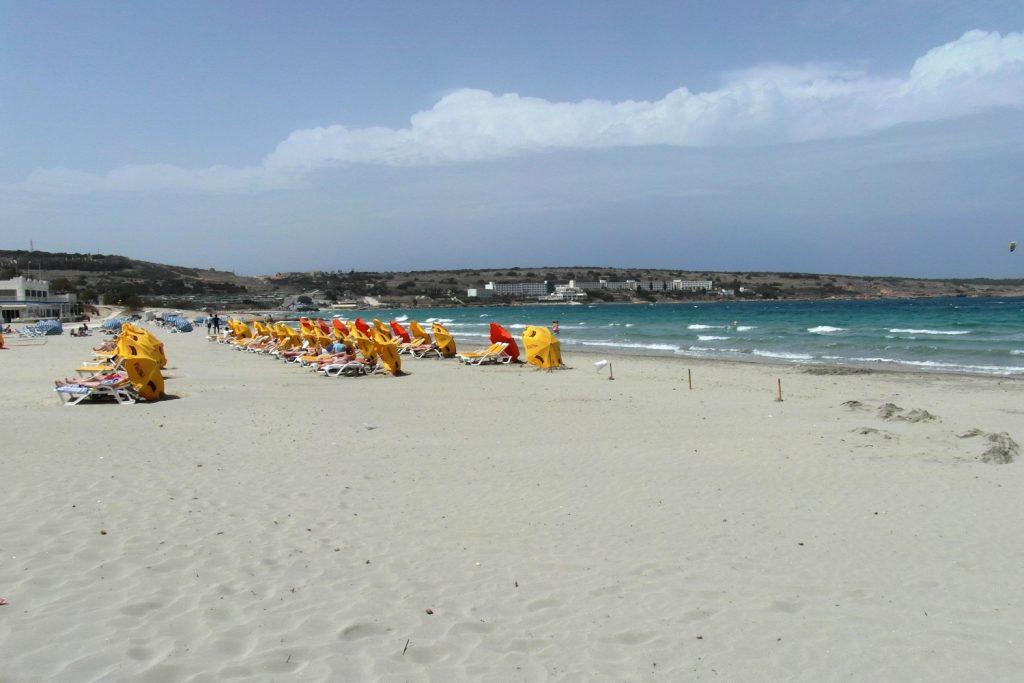 А вот этот пляж вполне привычен