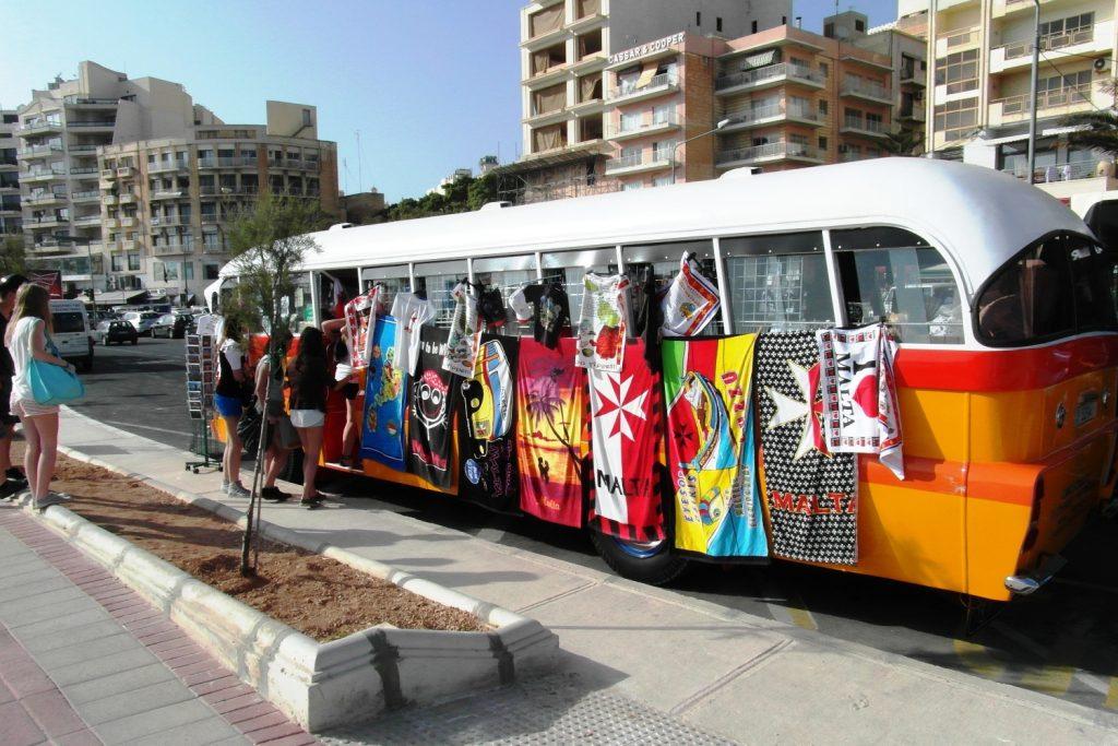 Старые автобусы выглядели так