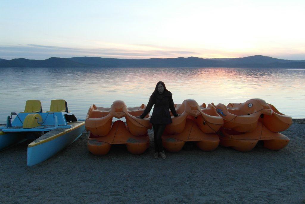 На наше озеро в мае - только в пальто