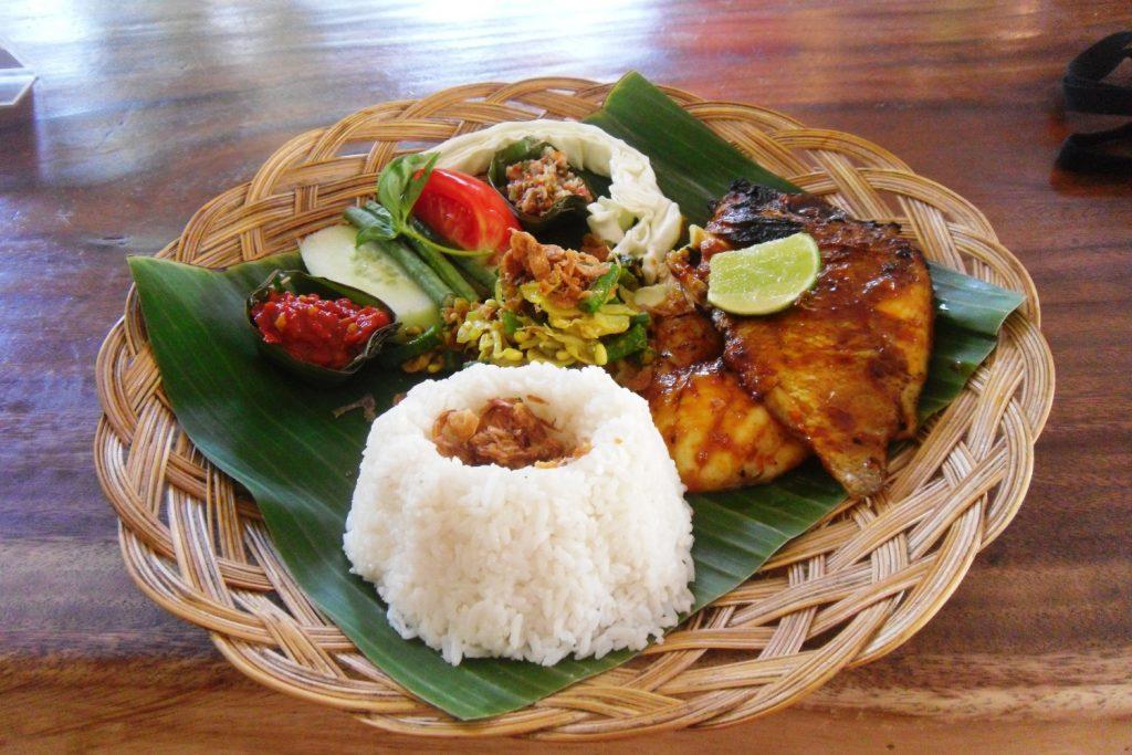 Еда в Индонезии классная!