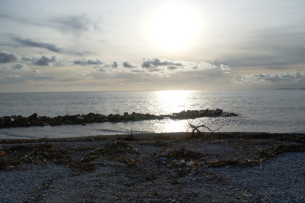 Пляж... Удручающе...