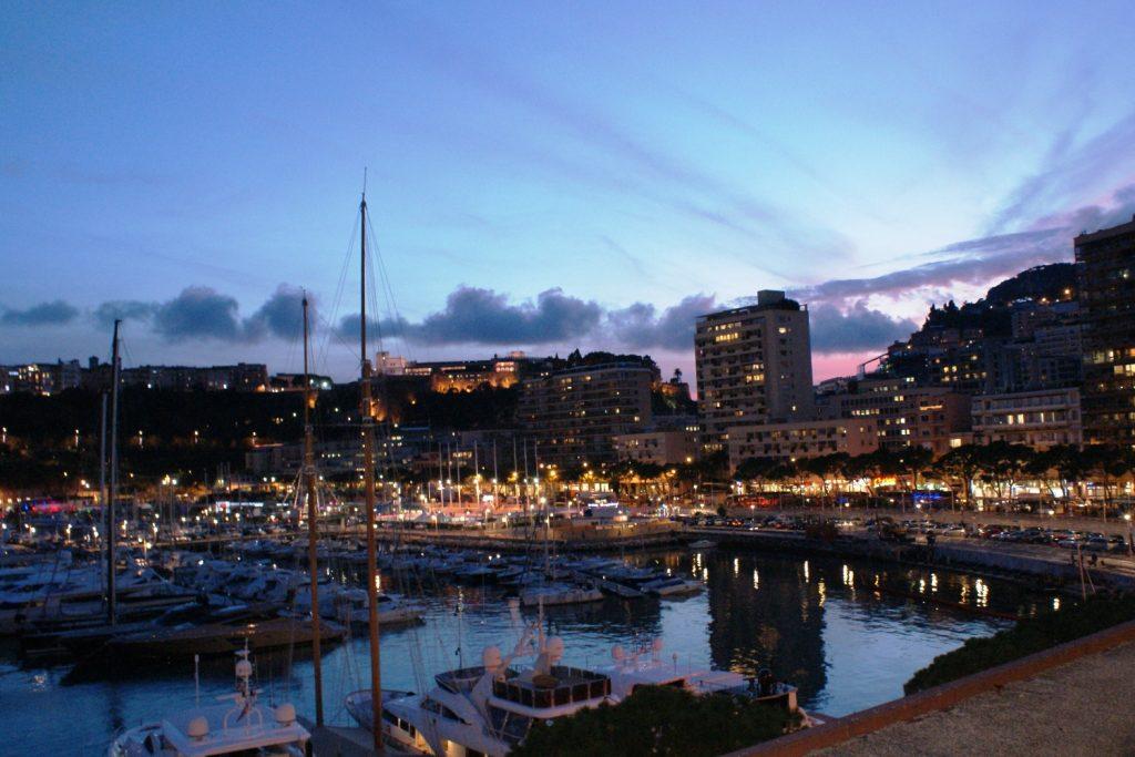 Порт вечером