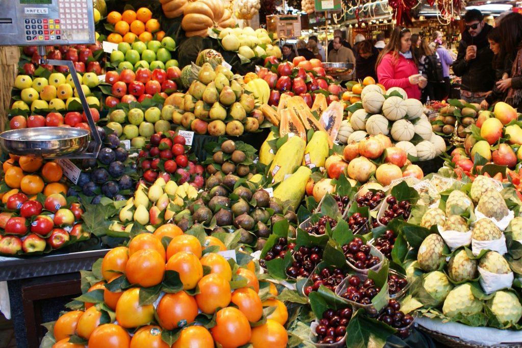 Зимой особенно приятно поесть фрукты