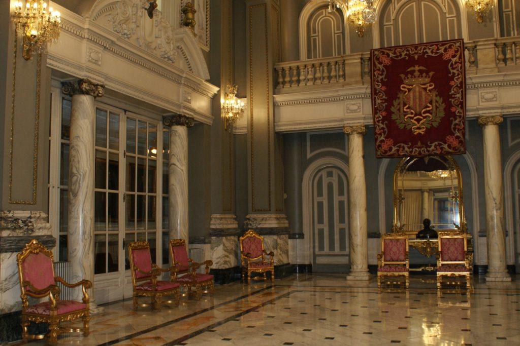 Правительство Валенсии находится в этом здании. Можно зайти и посмотреть