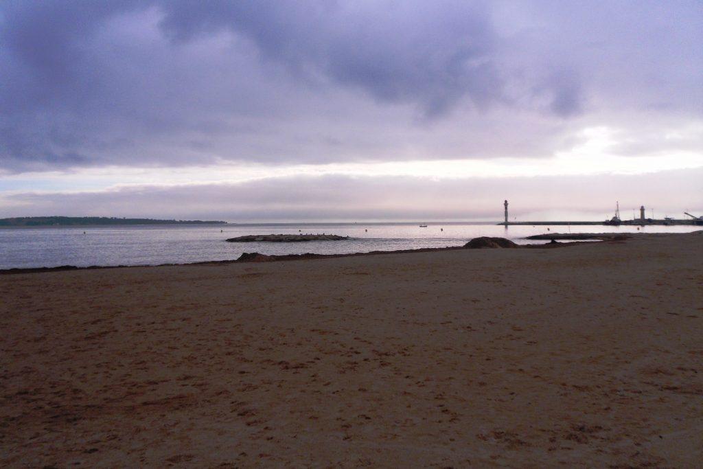Пляж в Каннах