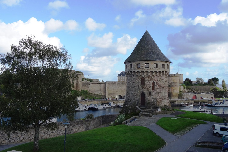 Брестский замок был создан еще римлянами. Он менялся и достраивался на протяжении 17 (!) столетий