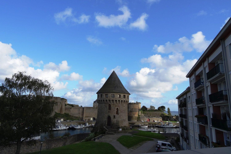 Брестский замок. Я представляла себе город примерно таким