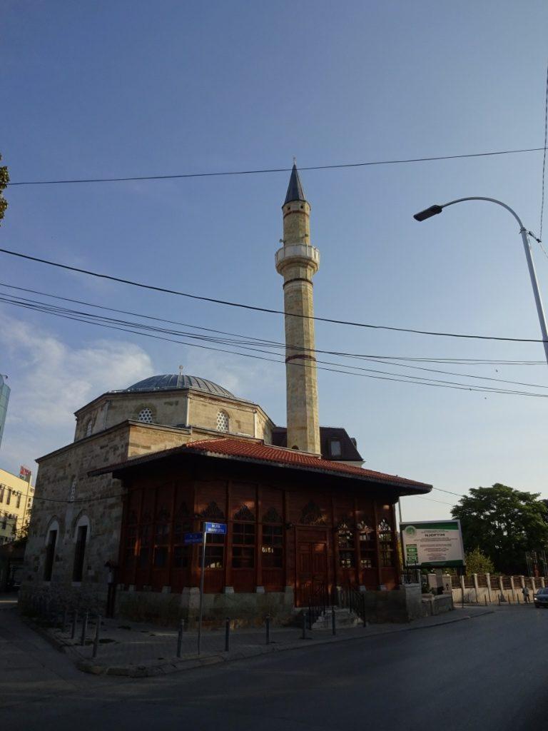 В городе много мечетей