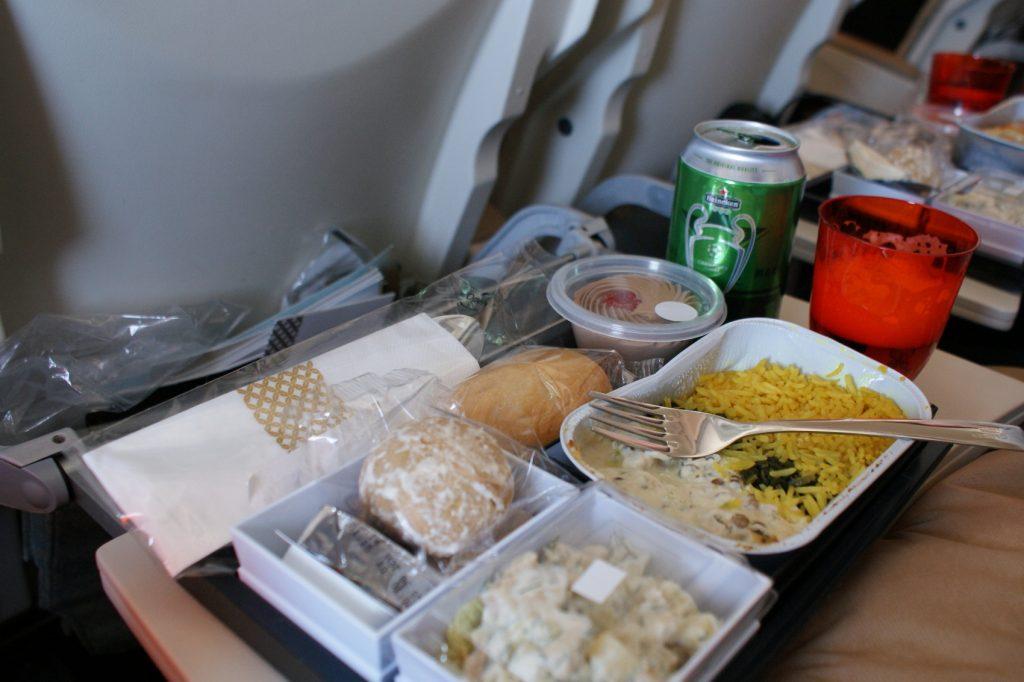 И еще питание в Etihad Airways