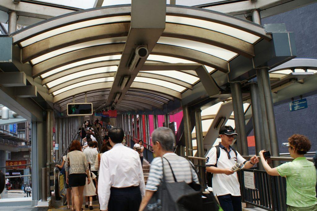 Улица-эскалатор в Гонконге
