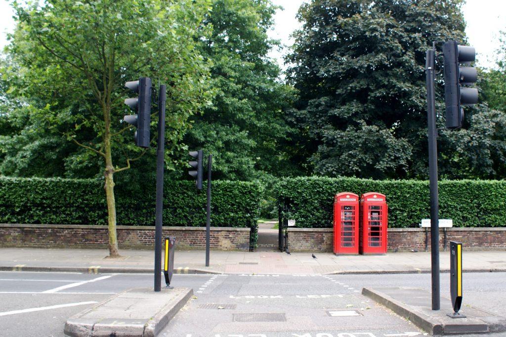И еще более типичный Лондон: парк и будки