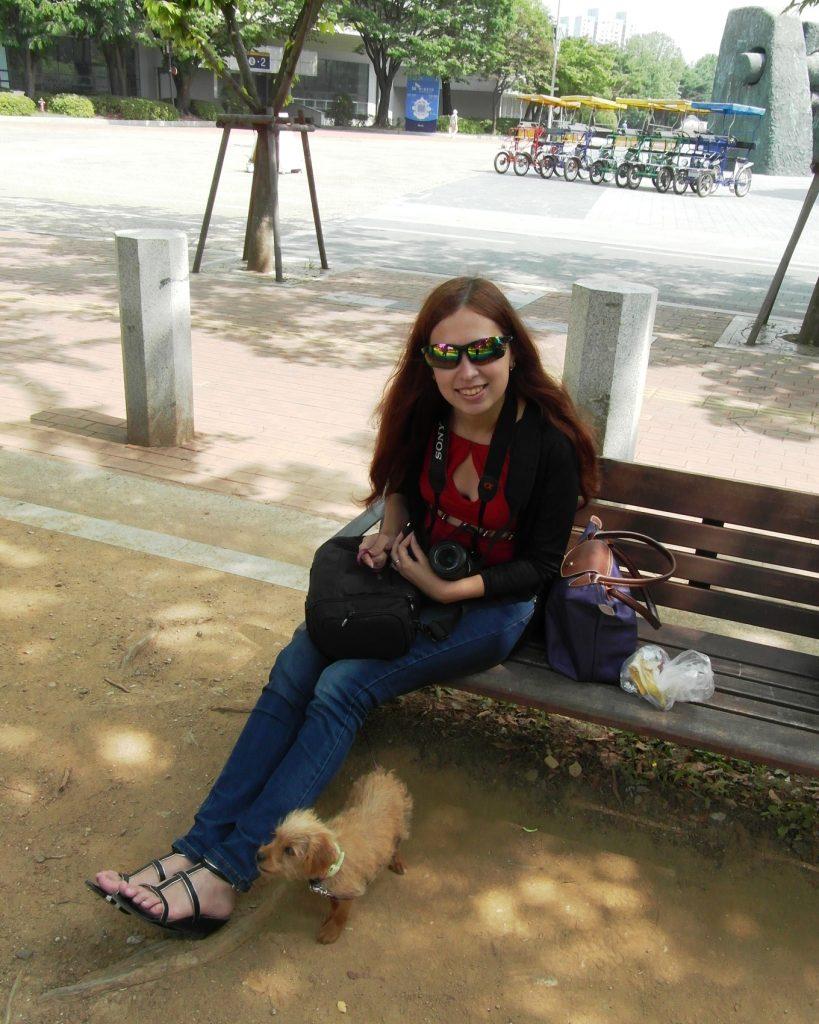 Подружилась с корейской собачкой, зовут Монтге