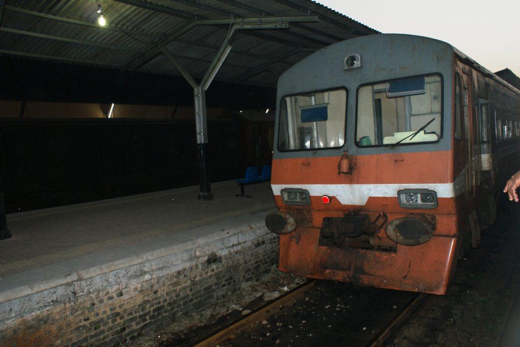 Поезда тут старые