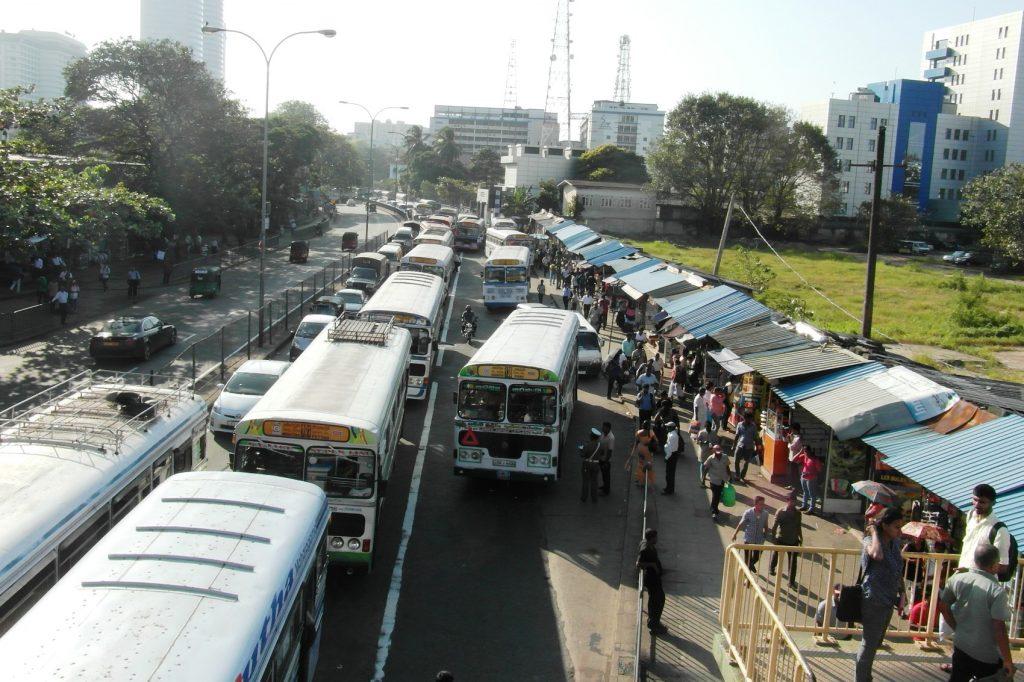 Типичная дорога в Коломбо