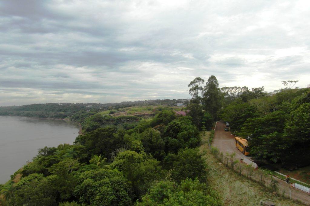 Между Бразилией и Парагваем