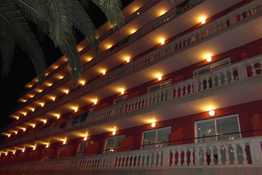 Наш отель в Эль-Аренале