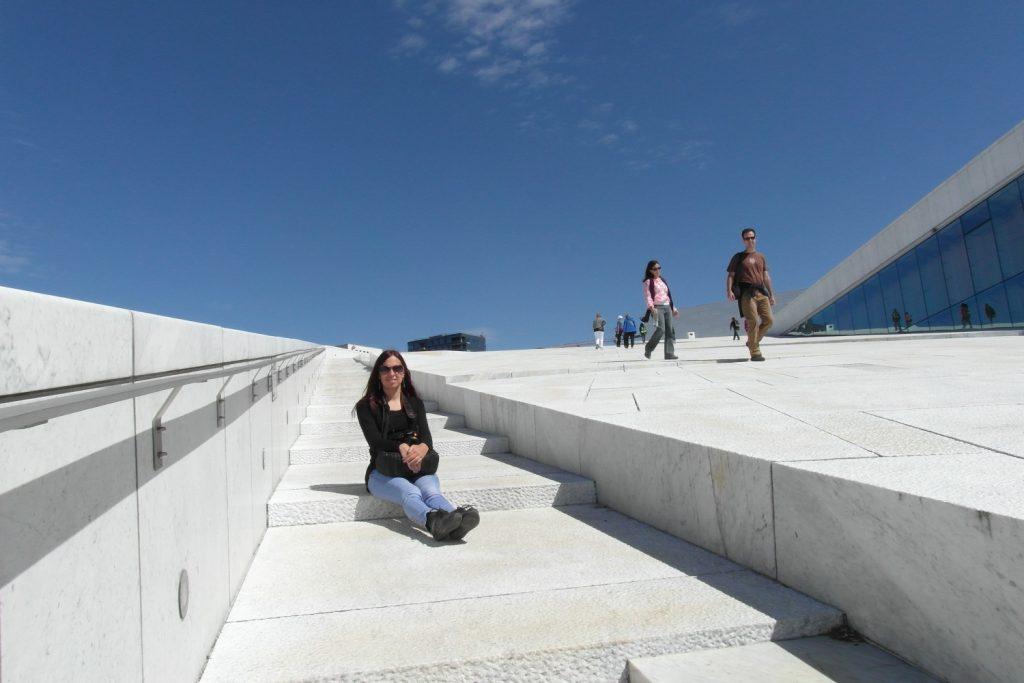Где еще можно погулять по крыше Оперного театра?