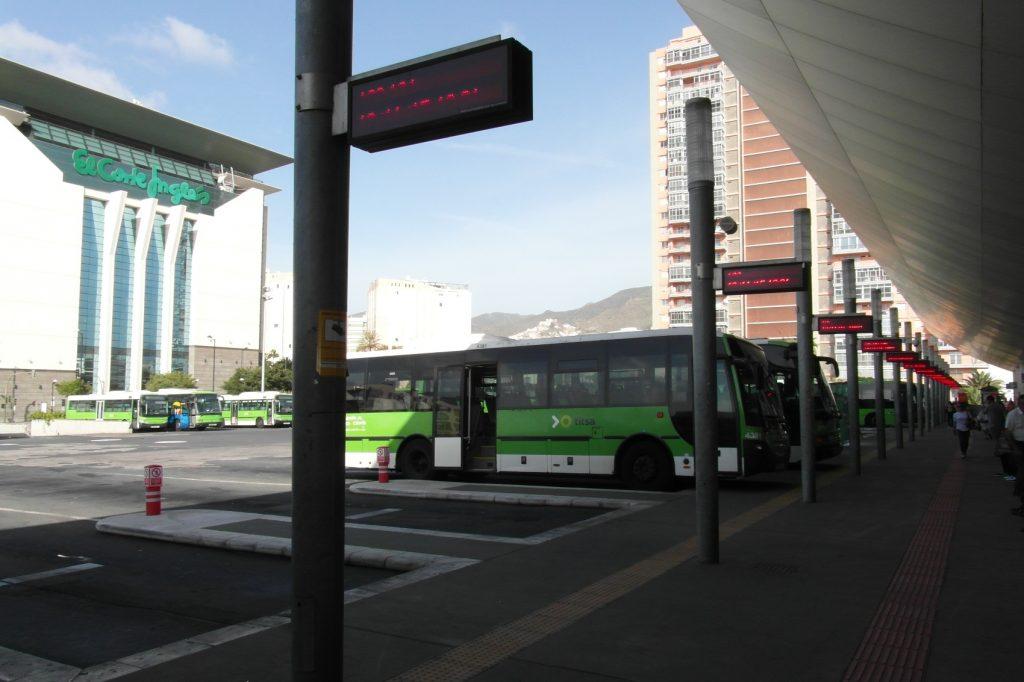 Главный автовокзал на острове