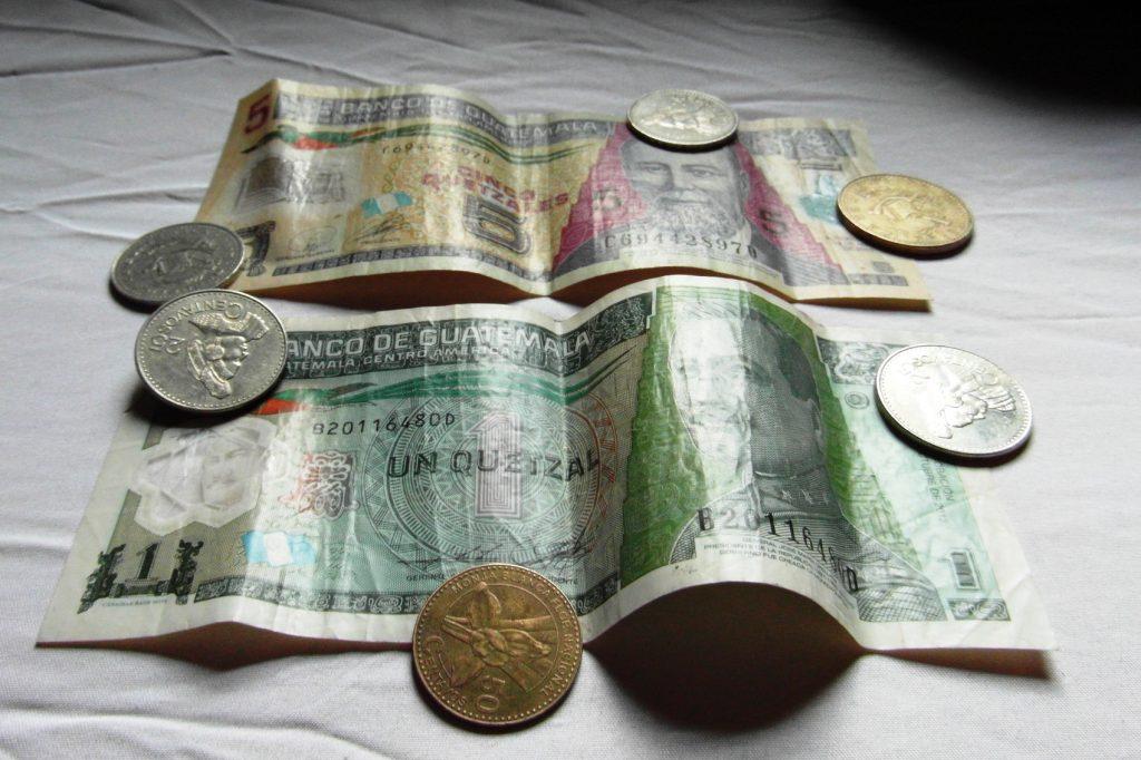 Гватемальские деньги