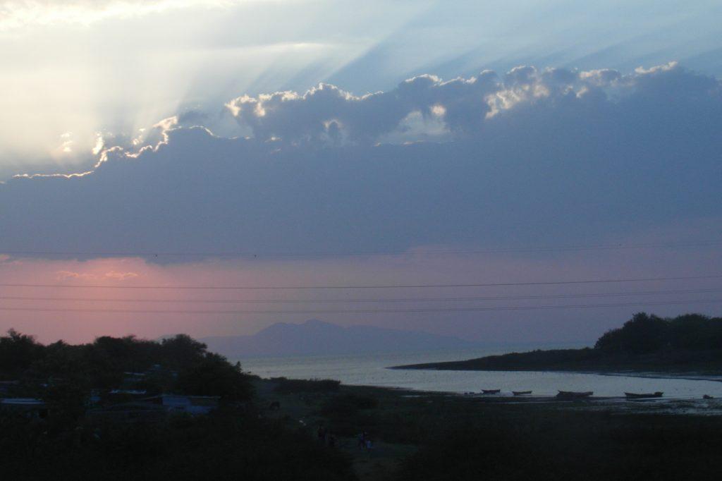 Все-таки в жарких странах часто невероятные закаты. Никарагуа