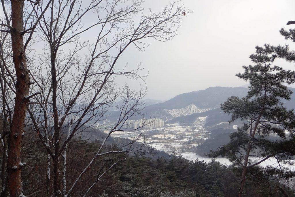 И еще заснеженные горы