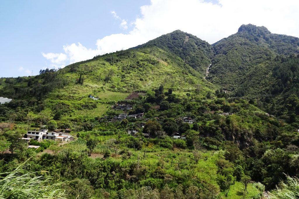 Огромные, потрясающие горы и вулканы