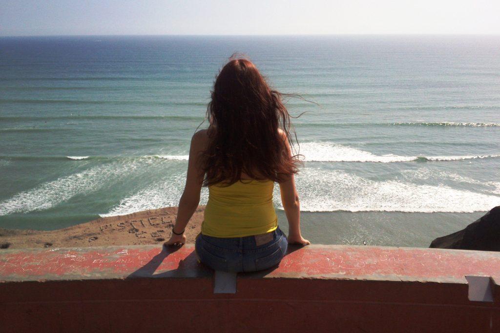 Любуюсь океаном... Он где-то очень далеко внизу