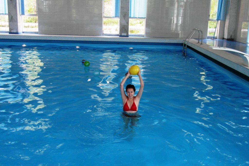 Я предпочла бассейн: теплее и нет медуз