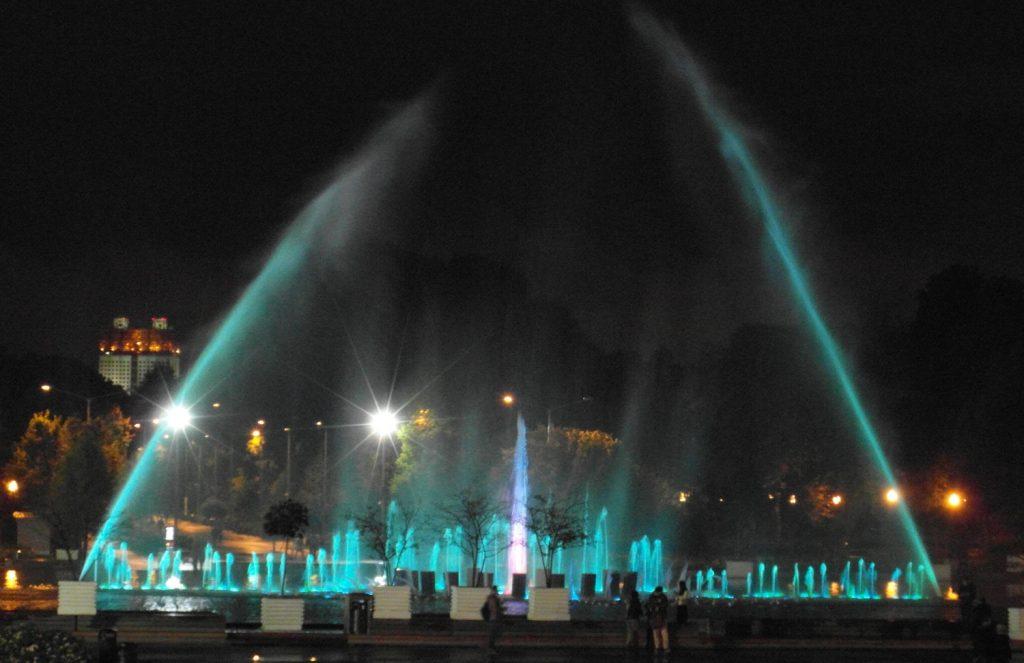 Люблю цветные фонтаны