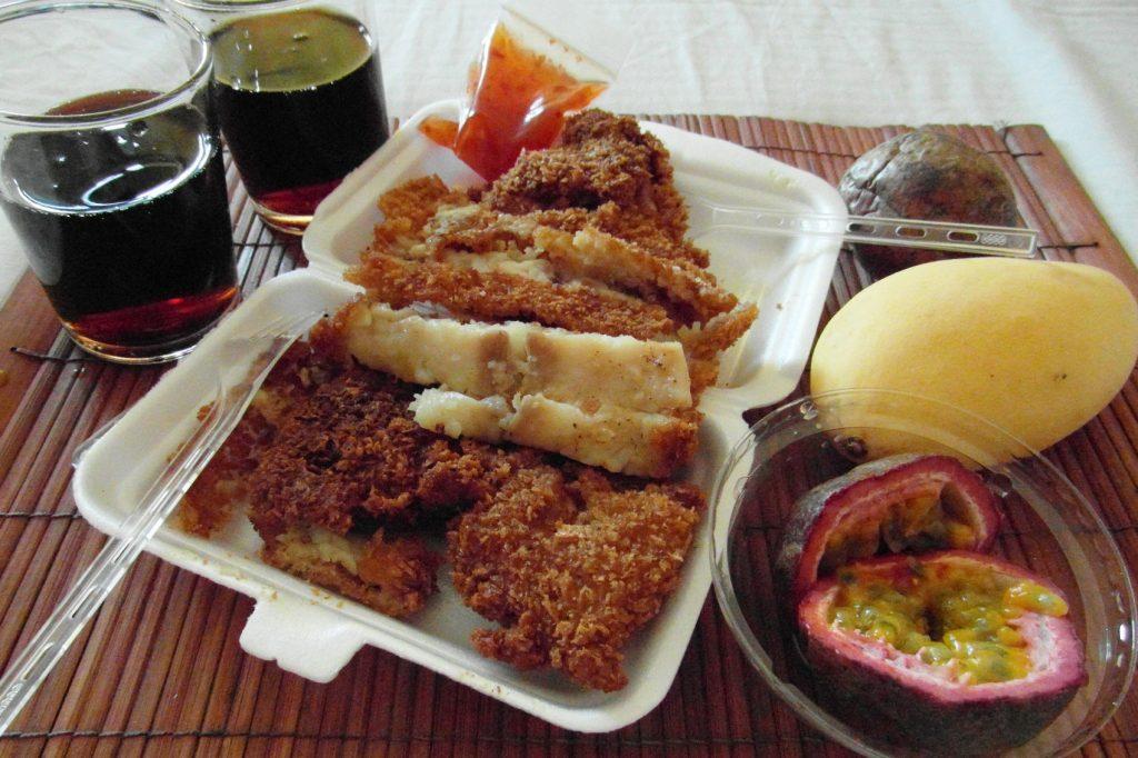 Обожаю жареное, панировку, рыбу и фрукты. По еде Таиланд для меня рай просто