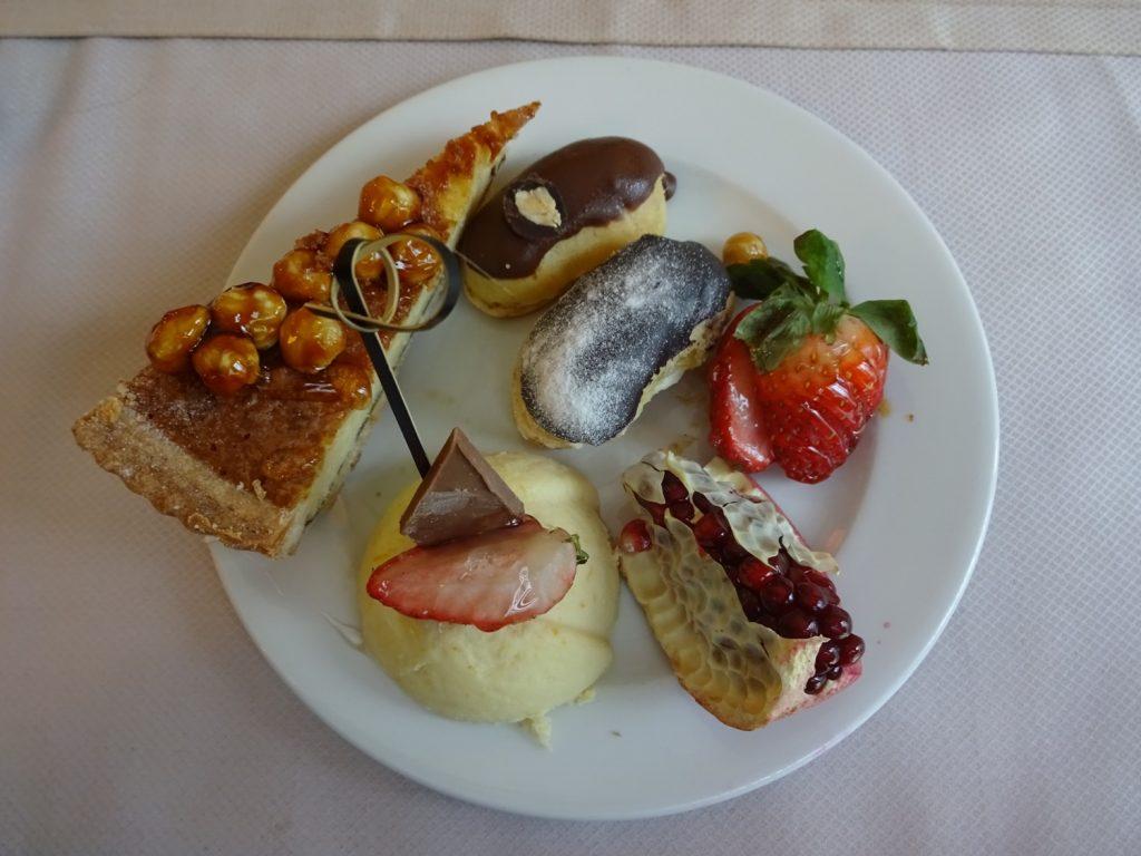 Вне Турции мне кажется, что я не хочу сладкое, а хочу одну рыбу... Но все меняется, когда я прилетаю в эту страну