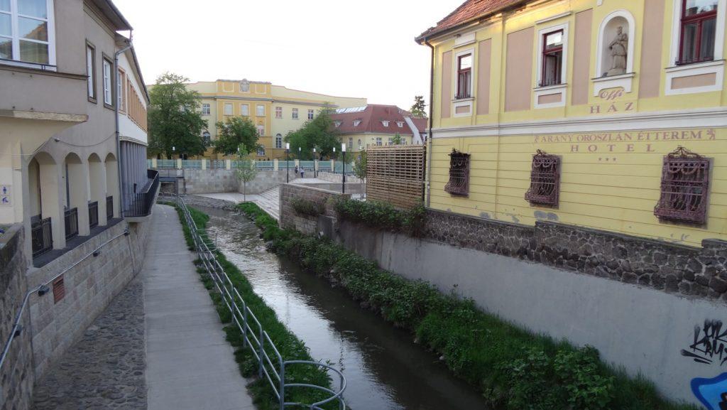 Небольшая речка Eger-patak