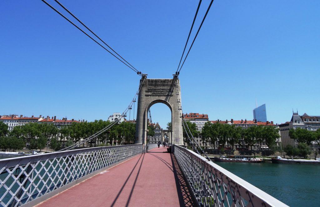 Passerelle Saint-Vincent - пешеходный мост через Сону
