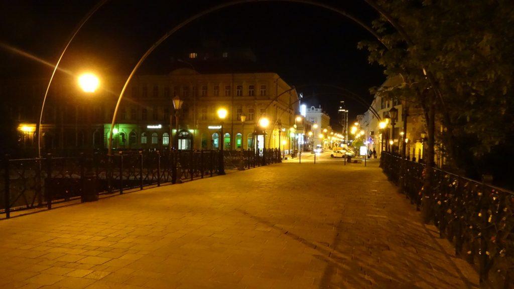Пустые вечерние улицы